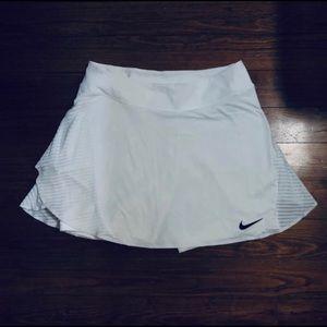 Nike White Dri-fit Skirt Medium Long